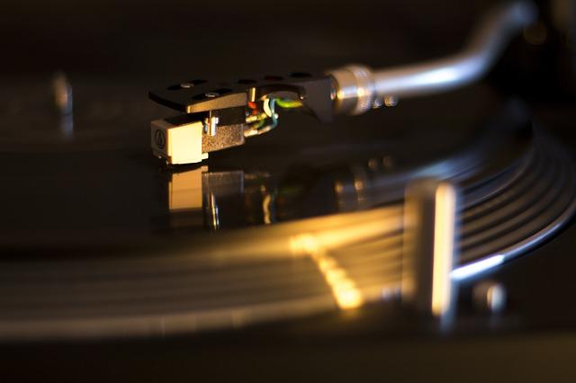 Jaki gramofon wybrać? Sprawdź ofertę Nautilusa!