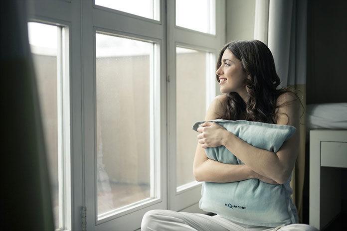 Okna PCV, okna drewniane czy okna aluminiowe – jakie wybrać by służyły na lata?