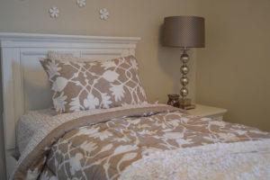Komfort i styl - nowoczesne łóżka tapicerowane