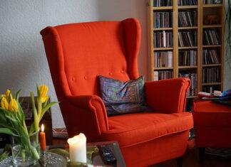Czerwone meble wypoczynkowe do salonu