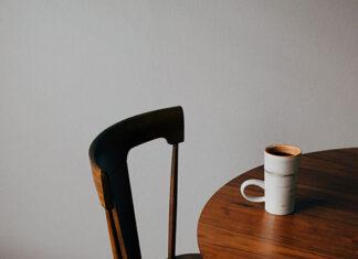 Wybieramy designerskie krzesła do jadalni