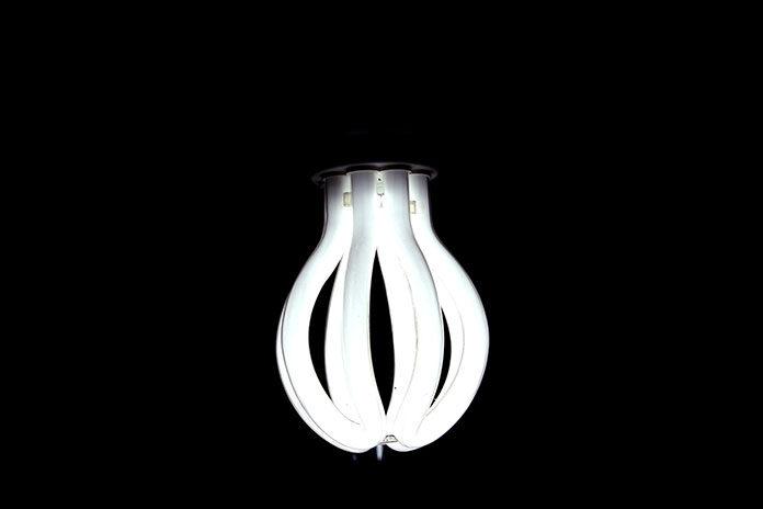 Nowoczesne lampy w klasycznych wnętrzach